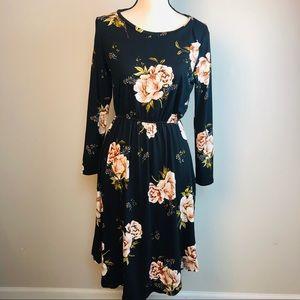 Dresses & Skirts - Reborn J black floral dress size large pockets